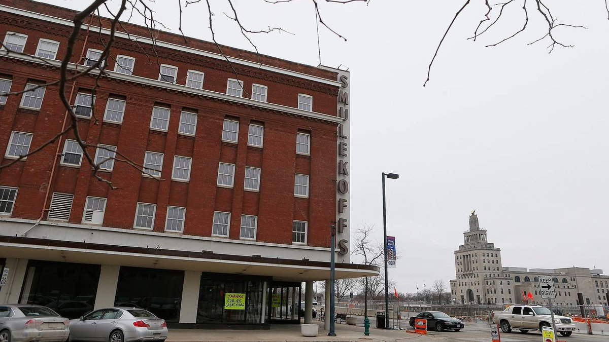 Smulekoff's building renovation gets tax credits