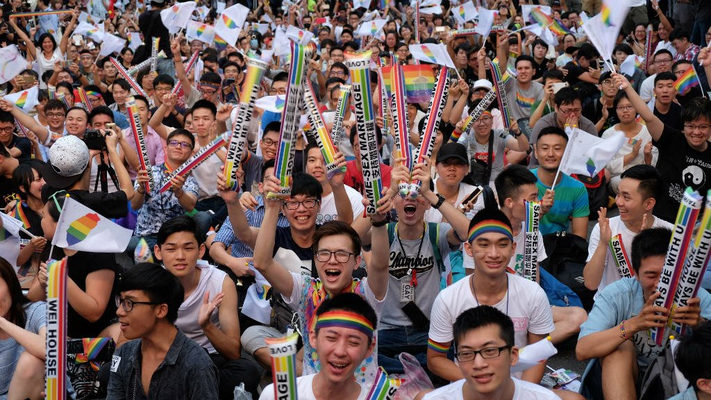 Taiwan court rules in favour of gay marriage