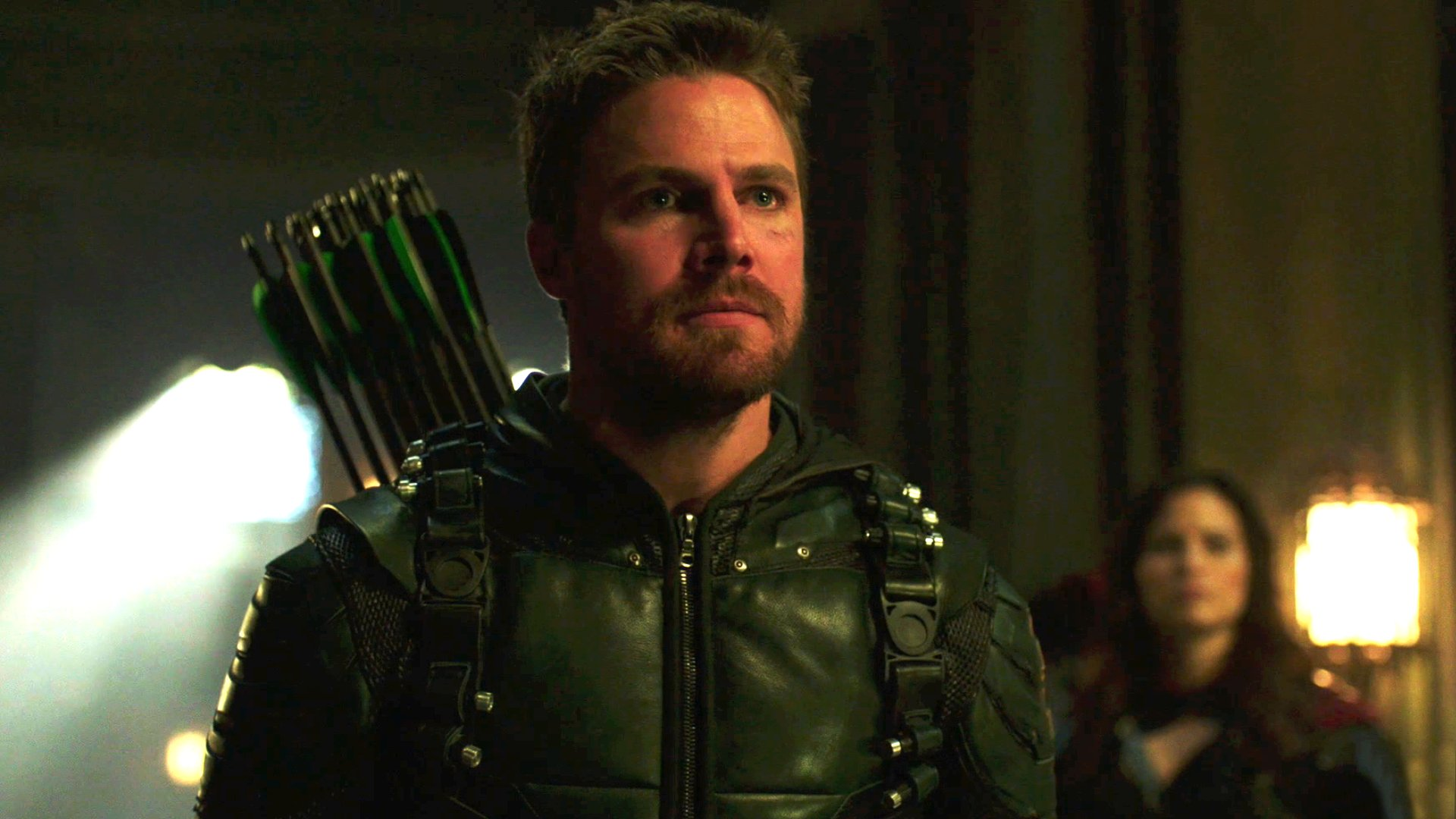 It's a race against time to save Oliver's family on the season finale of #Arrow, TONIGHT at 8/7c. https://t.co/ICHEgNBCv9