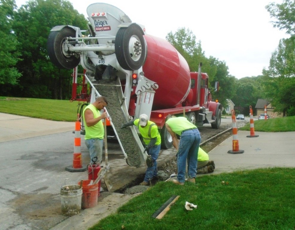 test Twitter Media - Curb replacement work is underway @parkvillemo on Woodhaven Lane in Riss Lake. Please use caution in this area. https://t.co/hv4N2WHyjz