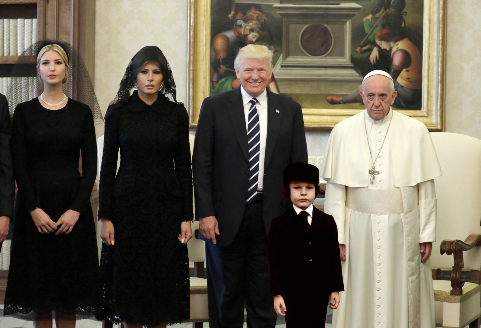 I photoshopped in the kid from THE OMEN and it's so perfect it's unnerving. https://t.co/I3wGIrbvBW