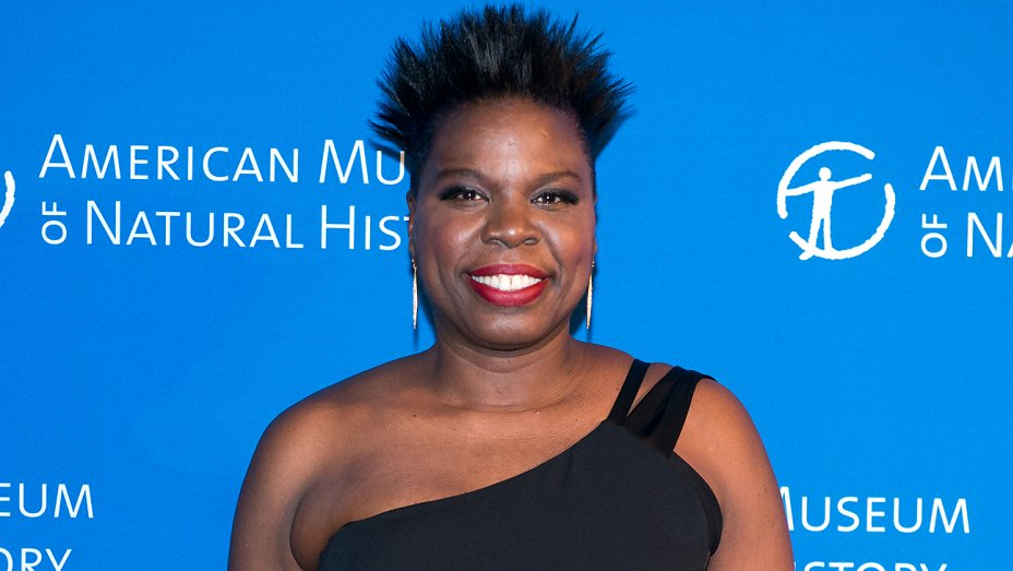 SNL star @Lesdoggg to host 2017 BET Awards