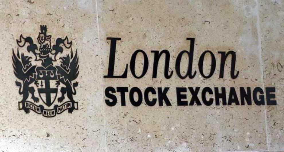 European stocks tread water before Fed minutes