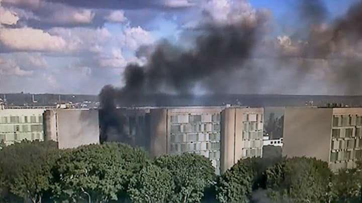 Fumaça preta em Brasília indica que não temos um presidente eleito democraticamente.