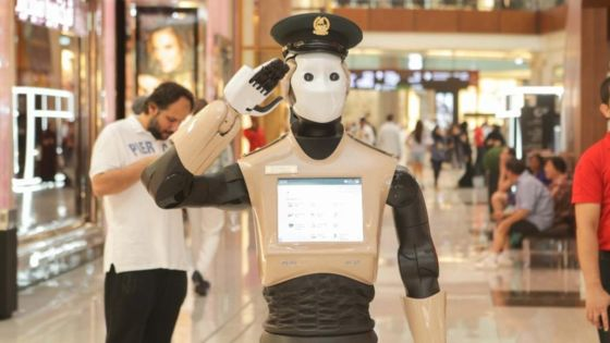 Robot police officer goes on duty in Dubai