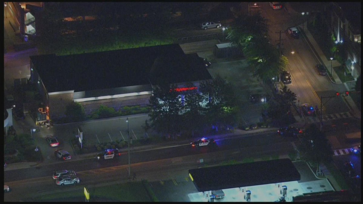 Watch Live Police And Swat Team Surround Cvs Store In Media Breaking Delaware