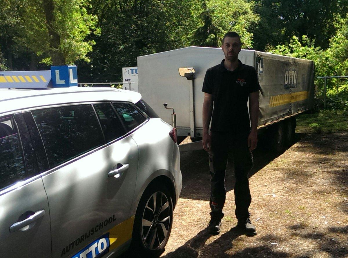 test Twitter Media - Dennis Roodhuizen Van harte gefeliciteerd met het behalen van je BE rijbewijs! Nu mogen alle monteurs van woonkracht 10 met aanhanger op pad https://t.co/BMhf01uXRF