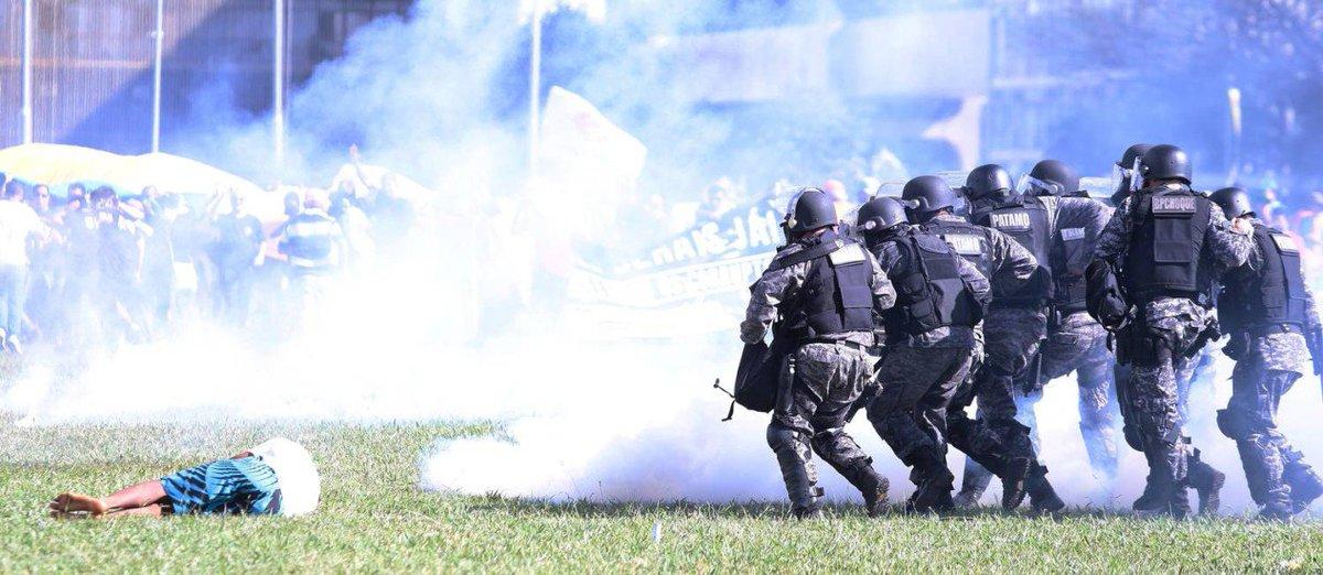 Governador do DF diz que polícia agiu de 'forma adequada'