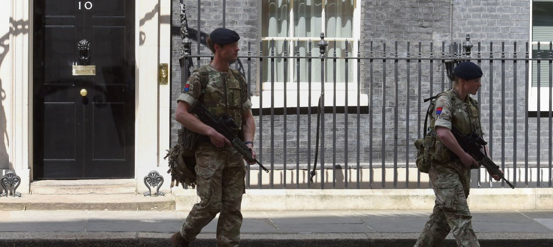 Troops deployed in Downing Street and Parliament in wake of Manchester terror attack https://t.co/UO5kqzxdsw https://t.co/nNLotJGTdn