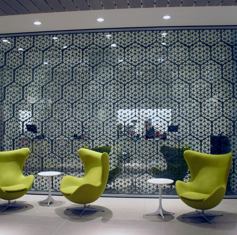 TBT – Macedonia Space Divider at a big department store in The Netherlands. https://t.co/RMxHbdbK3E