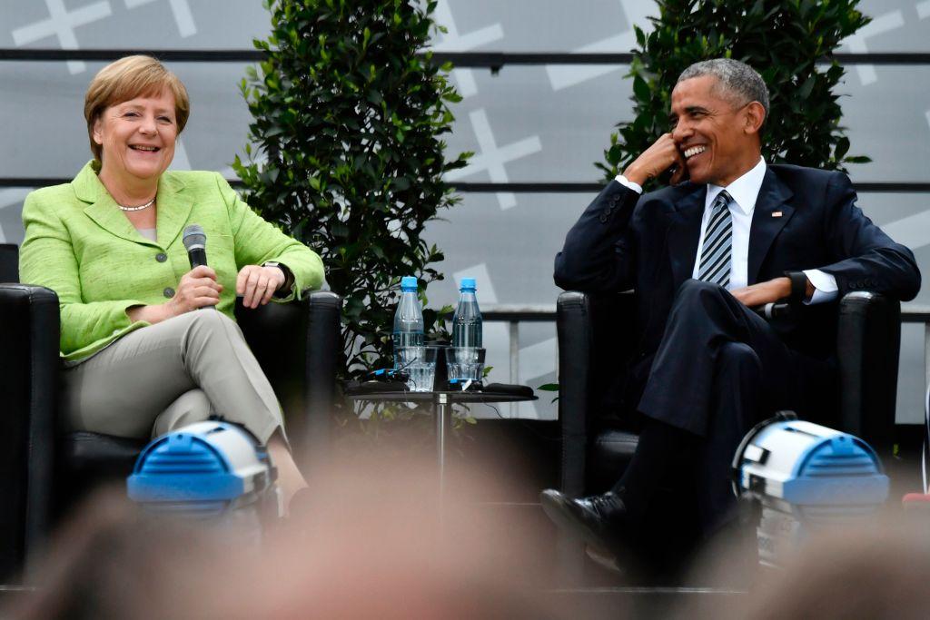 Barack Obama praises Merkel's leadership, hours before she meets Trump at a NATO summit