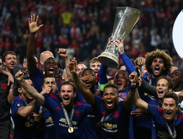 Last night's Manchester United win brings the city together after Monday's concert bombing