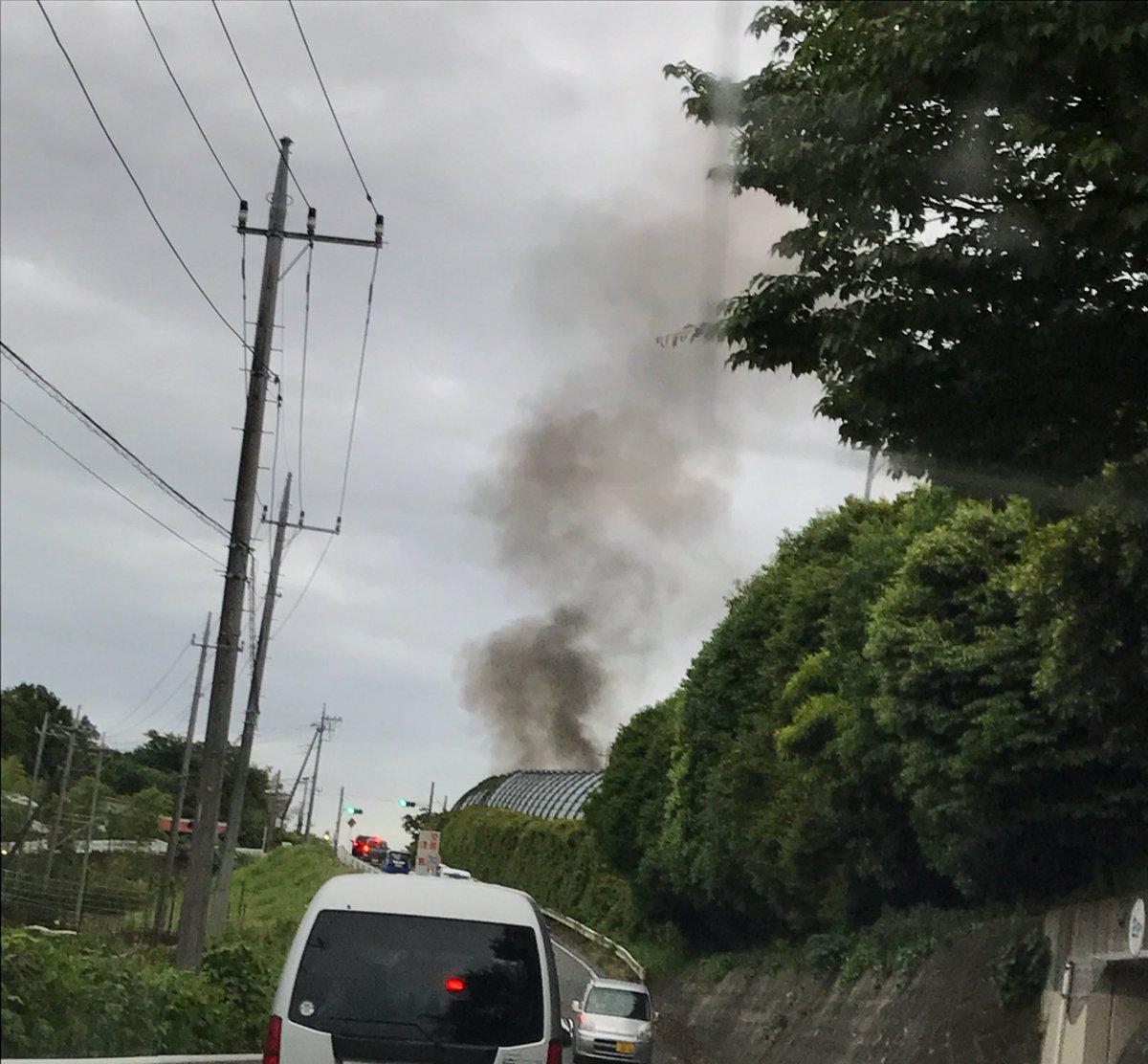 test ツイッターメディア - 東名高速でなんか燃えてる🔥😳 https://t.co/EQrhcA7wwc