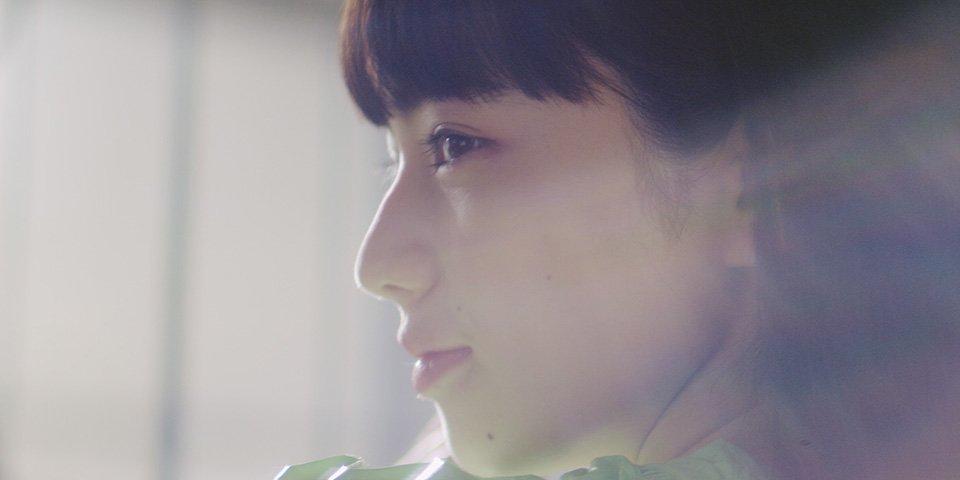 """チェインスモーカーズ ft. コールドプレイ""""Something Just Like This""""の日本制作MVが公開。主"""