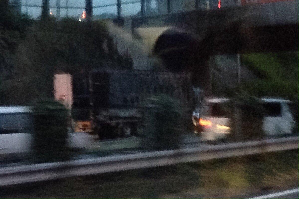 test ツイッターメディア - 高速バス、いつも渋滞しないところで急に詰まったと思ったら反対車線のトラックが全焼してた。怖や怖や。東名上り線は伊勢原バス停過ぎから渋滞、下り線も同じところから見物渋滞です。 https://t.co/q2za5bHEQU