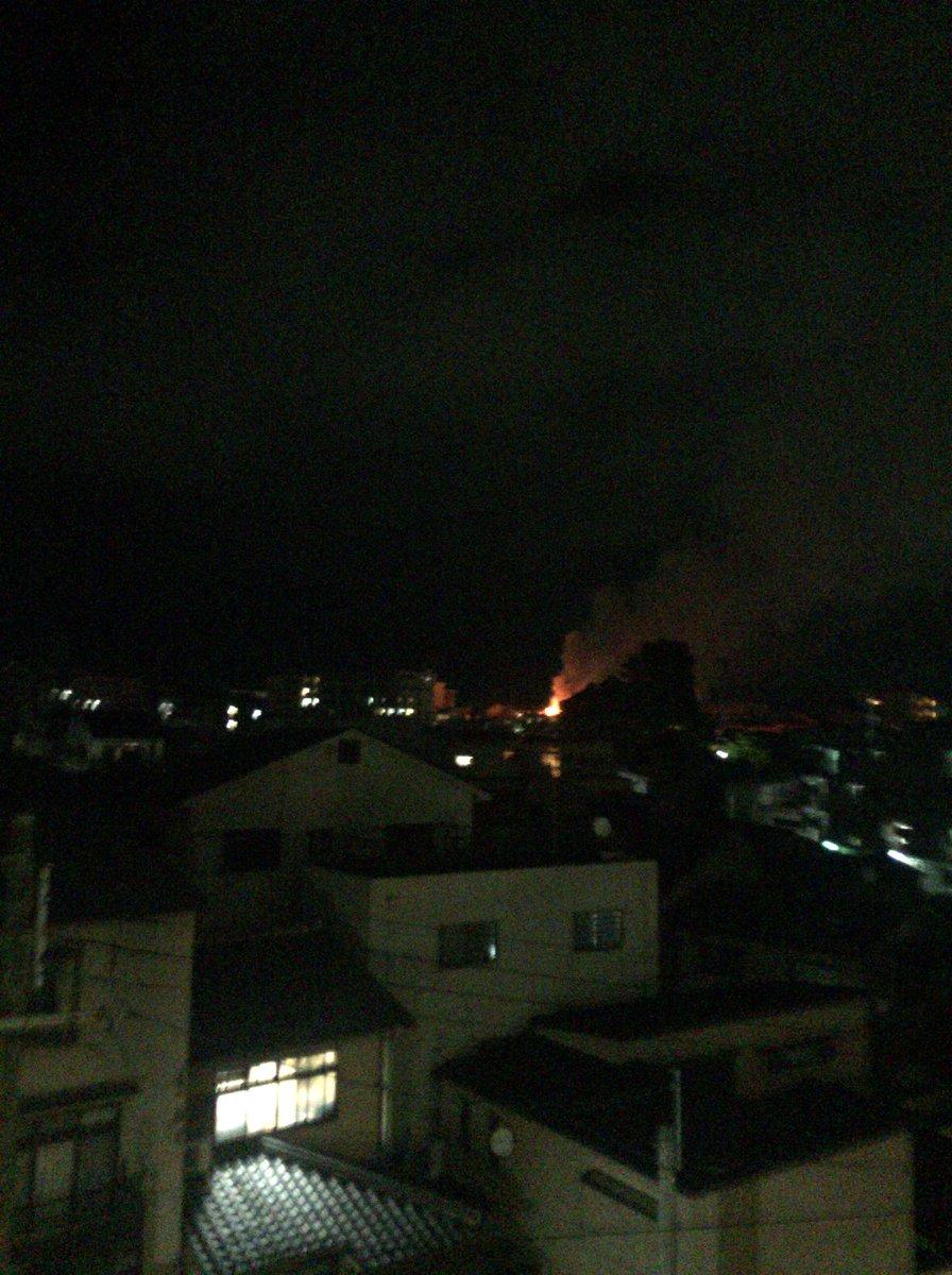 test ツイッターメディア - 写真では遠いけど火事やば!家の前から見れる!わらばり焦げ臭! https://t.co/oBvg2Sao4R