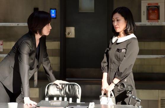 test ツイッターメディア - 『緊急取調室2』#thu21ex「相手の心に潜り込んで支配する戦い」的な新パターンに井上由美子が挑戦したみたいでおもしろかった。鶴田真由のカマトトぶった演技も今までにない犯人タイプで良かったです。設定が限定的でマンネリ化が敵のドラマですから新パターン開拓を頑張って欲しいです。 https://t.co/EOVCSfxOum