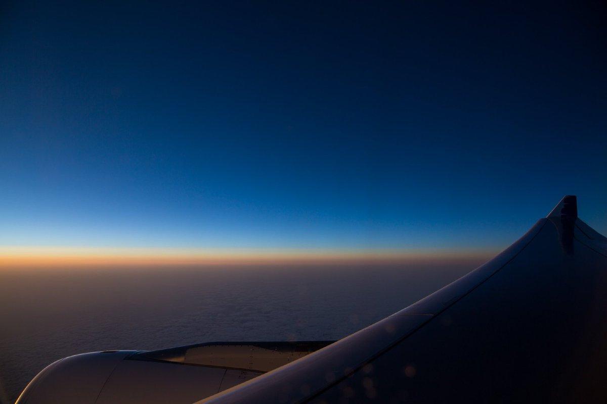 帰りの飛行機で『君の名は。』をみて、ふと外見たら、まるで映画の中にいるみたいな錯覚に陥った(゜ロ゜)