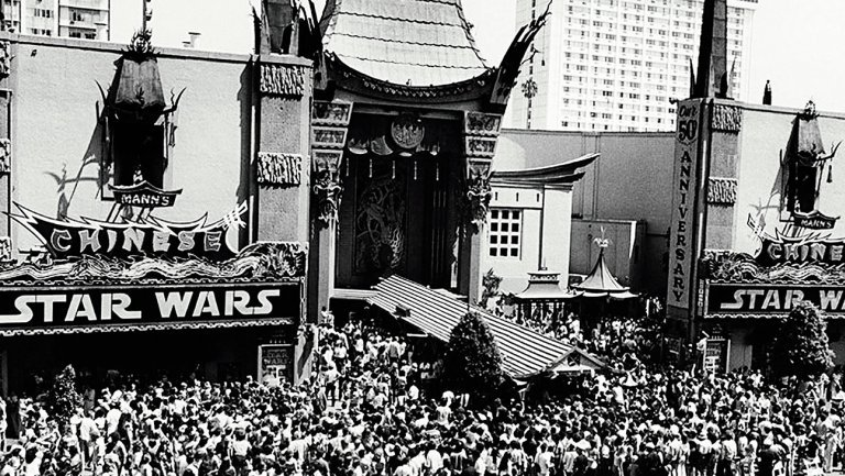 #StarWars flashback When no theater wanted to show the movie in 1977 #StarWars40th