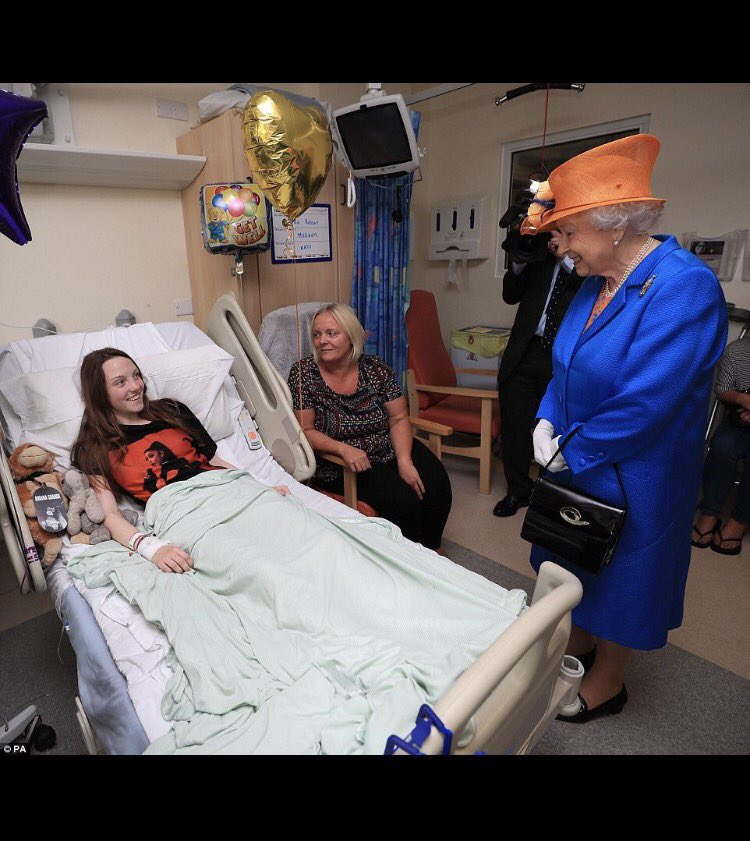God bless The Queen and her kind heart #StayStrongManchester ???????? https://t.co/fdtEReJhZz