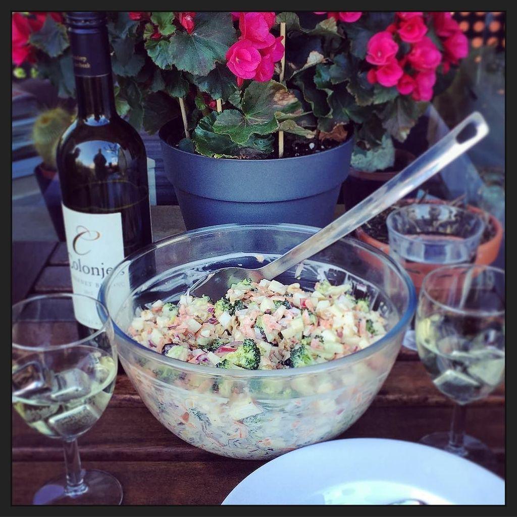 test Twitter Media - Vegetarische brocoli / appel salade op't 'terras'... ;-) #myview #eten #foodporn https://t.co/xEoXyJyVeO https://t.co/TRY9IgIRzi