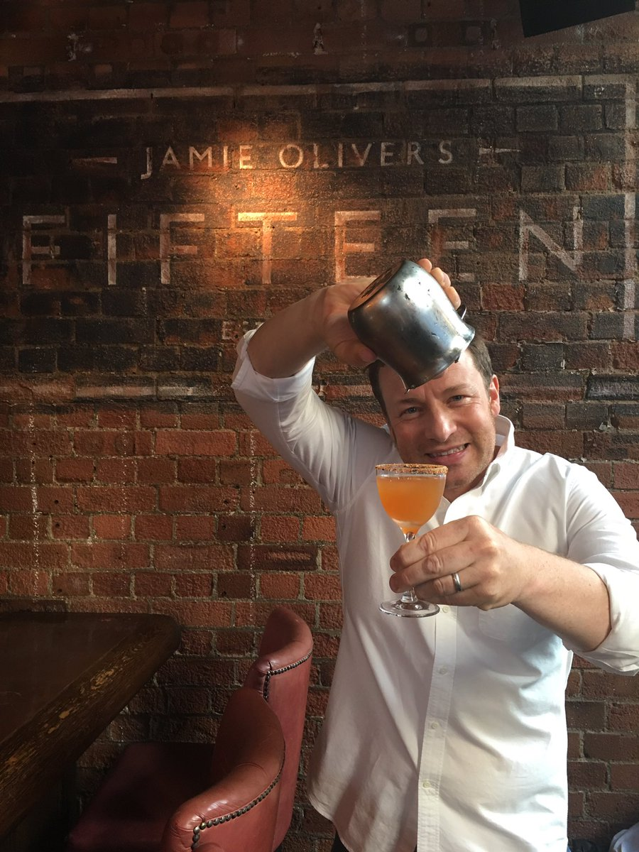 guys Im LIVE on facebook at @JamiesFifteen. come and join me as we go through the new cocktail menu! ???????? https://t.co/m5Yb80wCYc