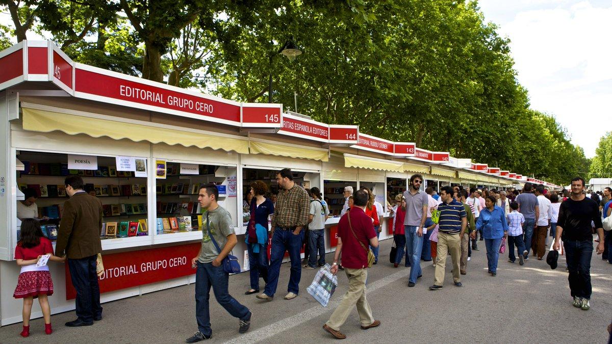 Mañana se inaugura la Feria del Libro de #Madrid en el @_ElRetiro.@FLMadrid#FLM17