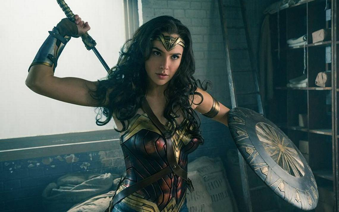 Sorry, guys: This Wonder Woman party is for women only