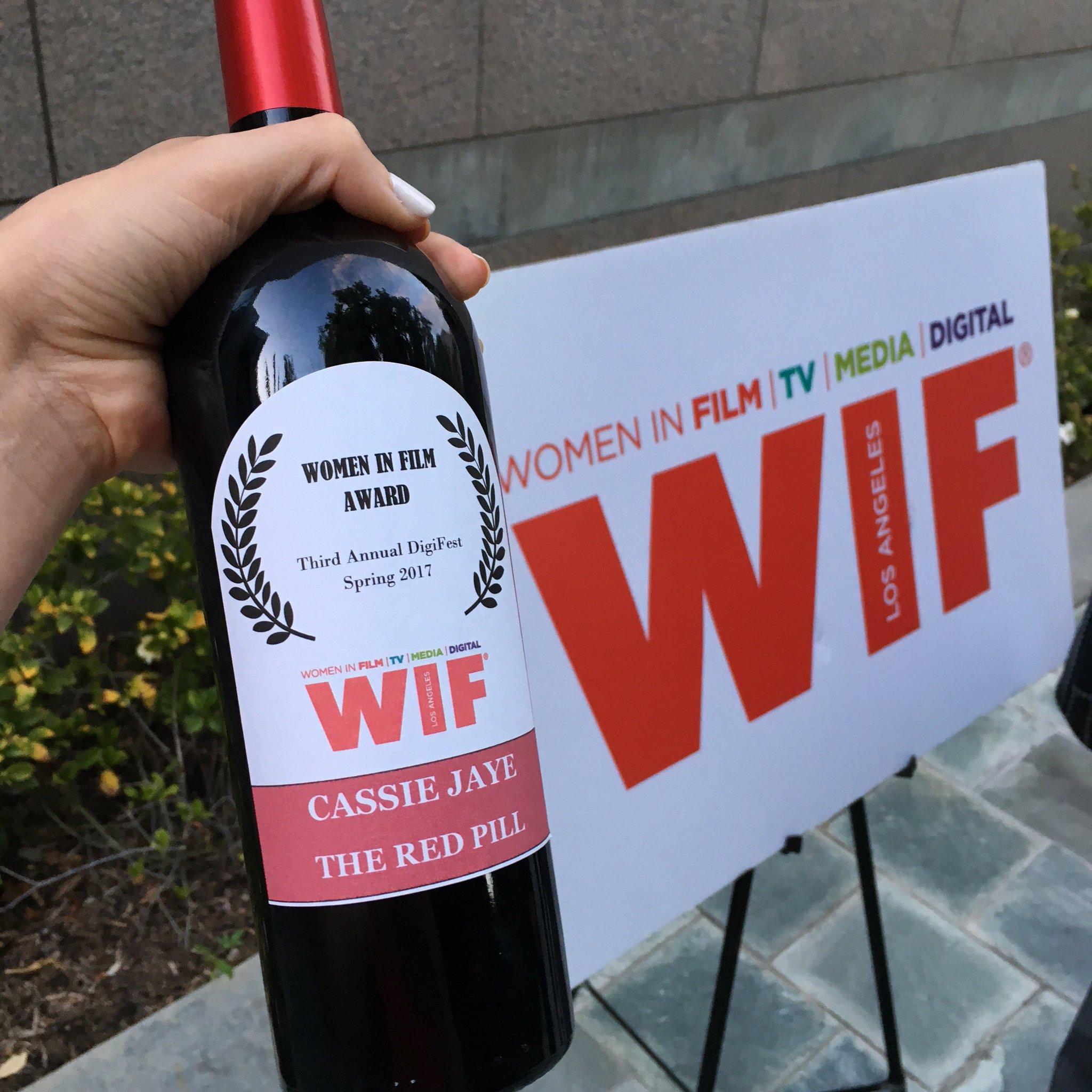#redpillmovie just won the DigiFest Women in Film Award!!! #digitalhollywood #digifest #womeninfilm https://t.co/ek5eRDeDcN