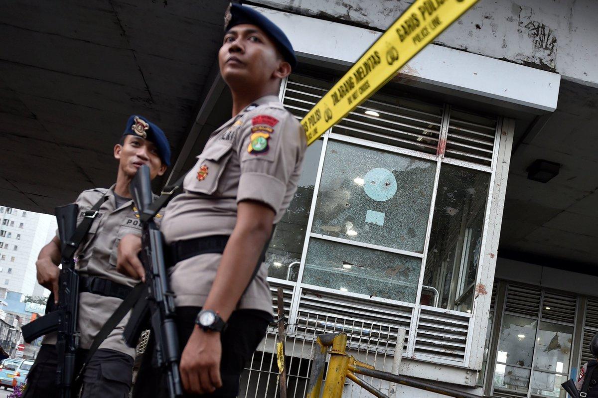 Indonesia: Police arrest three over Jakarta terrorist attacks