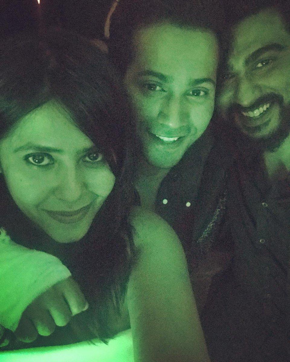 Selfie Time @EkmainaurEktu7 with @Varun_dvn and @arjunk26 📸