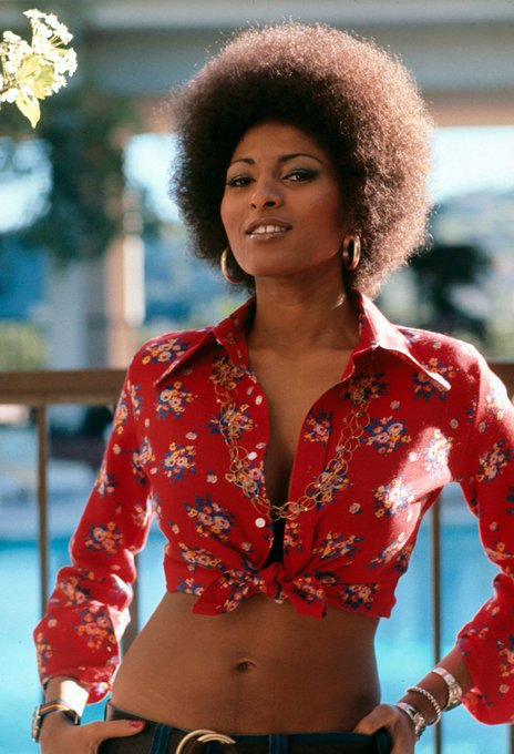 Wishing the fabulous Pam Grier a very happy birthday!