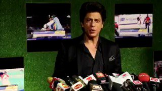 """Check Out @iamsrk 's BEST reply on @sachin_rt says """"I have seen his ups and downs"""""""