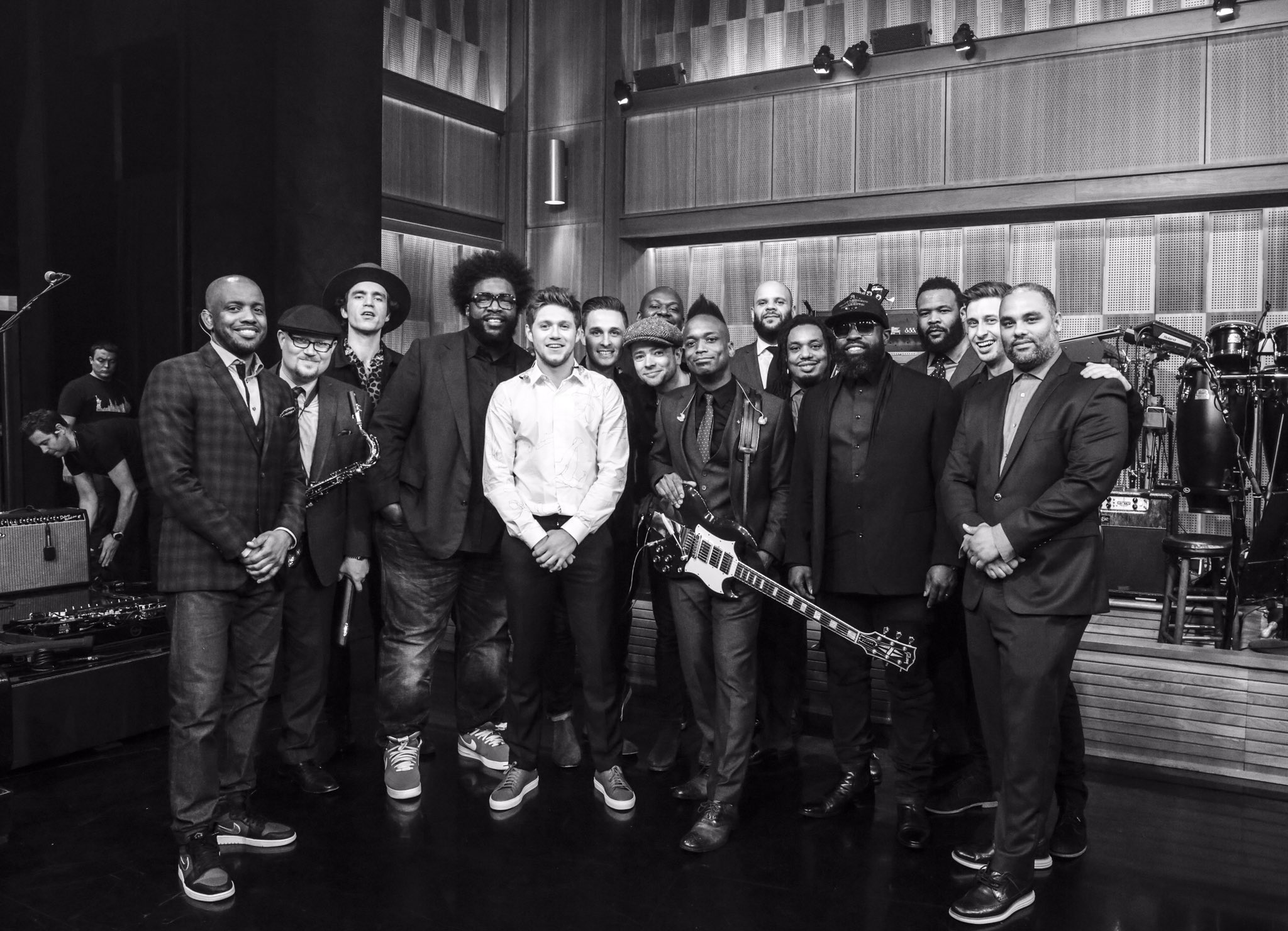 geeking out on a different level with these legends , @theroots. https://t.co/cSAgvQvJim