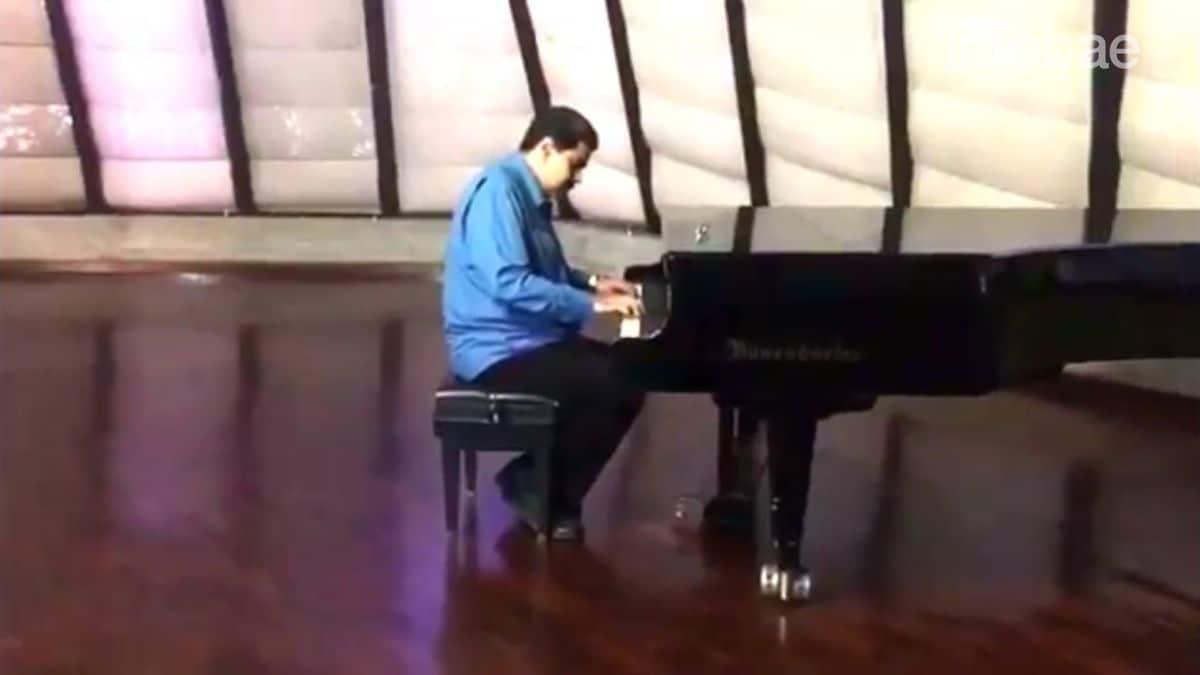 Resultado de imagem para Mientras la represión chavista sigue cobrándose víctimas, Nicolás Maduro toca el piano