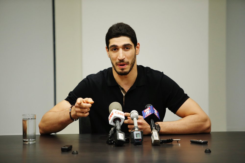 "Turkey issues arrest warrant for Enes Kanter claiming he's part of ""terror group,"" per @AFP"