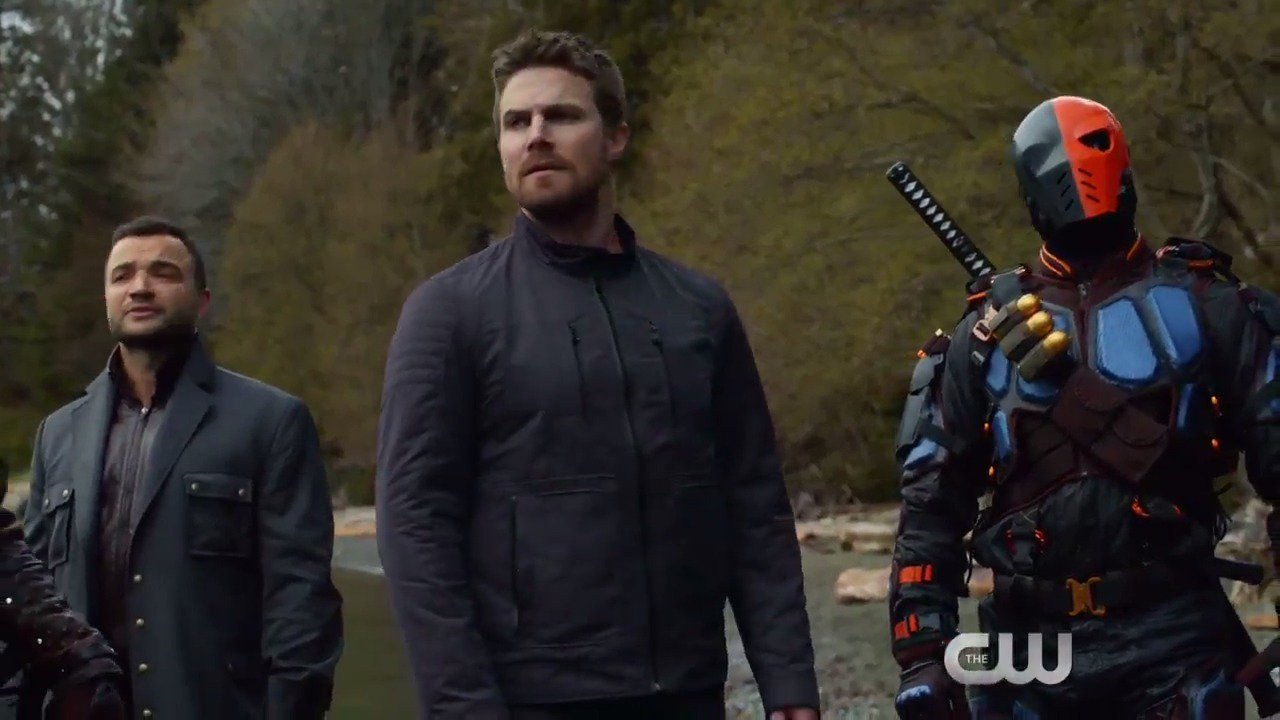 Welcome to paradise. Watch the season finale of #Arrow now: https://t.co/srgzG5SyRw https://t.co/hLRng5OmNm