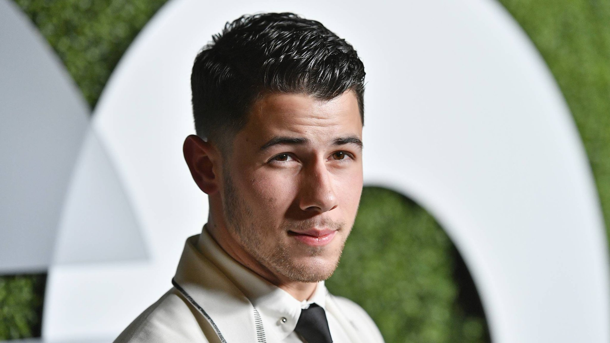 �� @NickJonas' #RememberIToldYou sizzles in all the right ways: https://t.co/WJuVXVZD1T https://t.co/ifNdSoah82