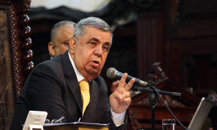 Picciani rejeita oito pedidos de impeachment protocolados contra Pezão.