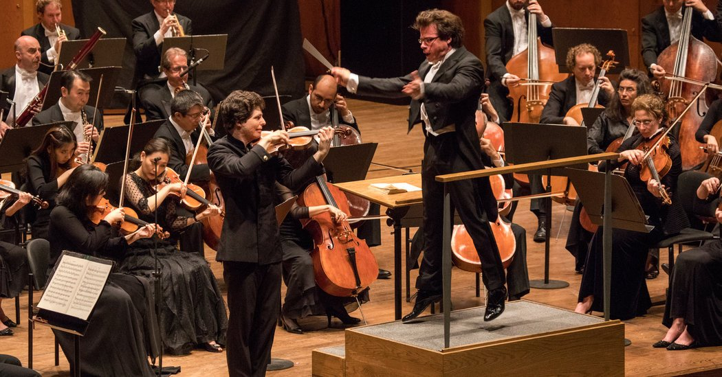 A Fast-Rising Czech Conductor Leads the Philharmonic