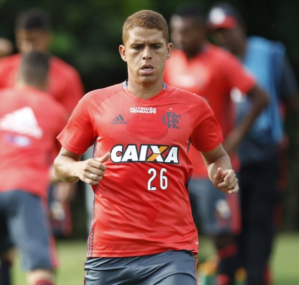 Quem deve ser titular do Flamengo?RT - Cuéllar Like - Márcio Araújo#NossoFutebol