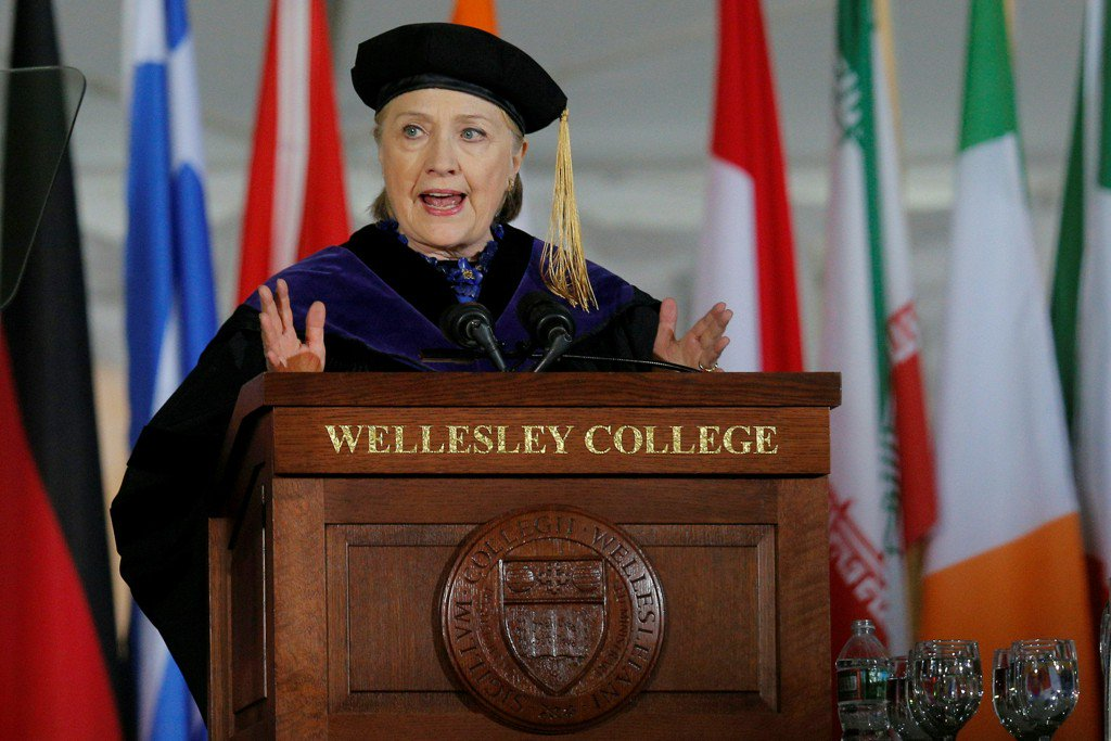 Hillary Clinton tears into Pres. Trump in commencement address at Wellesley