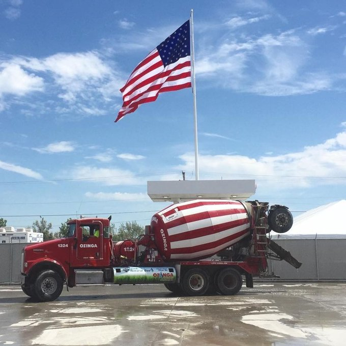Time for open house so @Ozinga they 'Zing It' up and clean the place too to bottom. 20x30' US Flag 70' White powde… https://t.co/kLayv5d55s https://t.co/5GUR1Gv6tQ