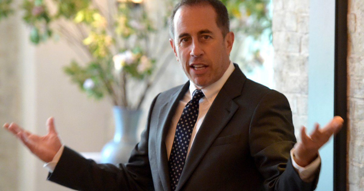"Jerry Seinfeld is speaking out about that awkward Kesha snub: ""I don't hug a total stranger"""