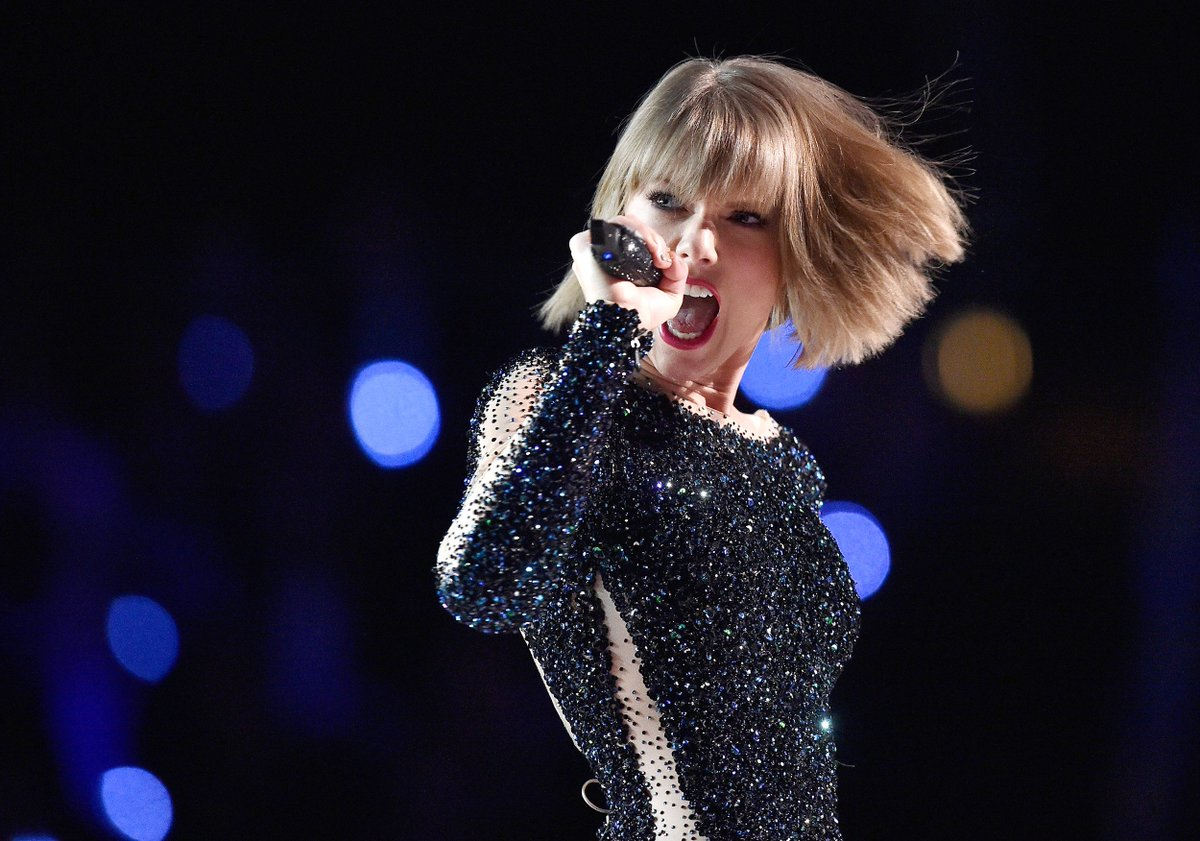 Taylor Swift puts music back on streaming services