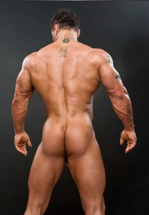 фото сильных голых мужчин