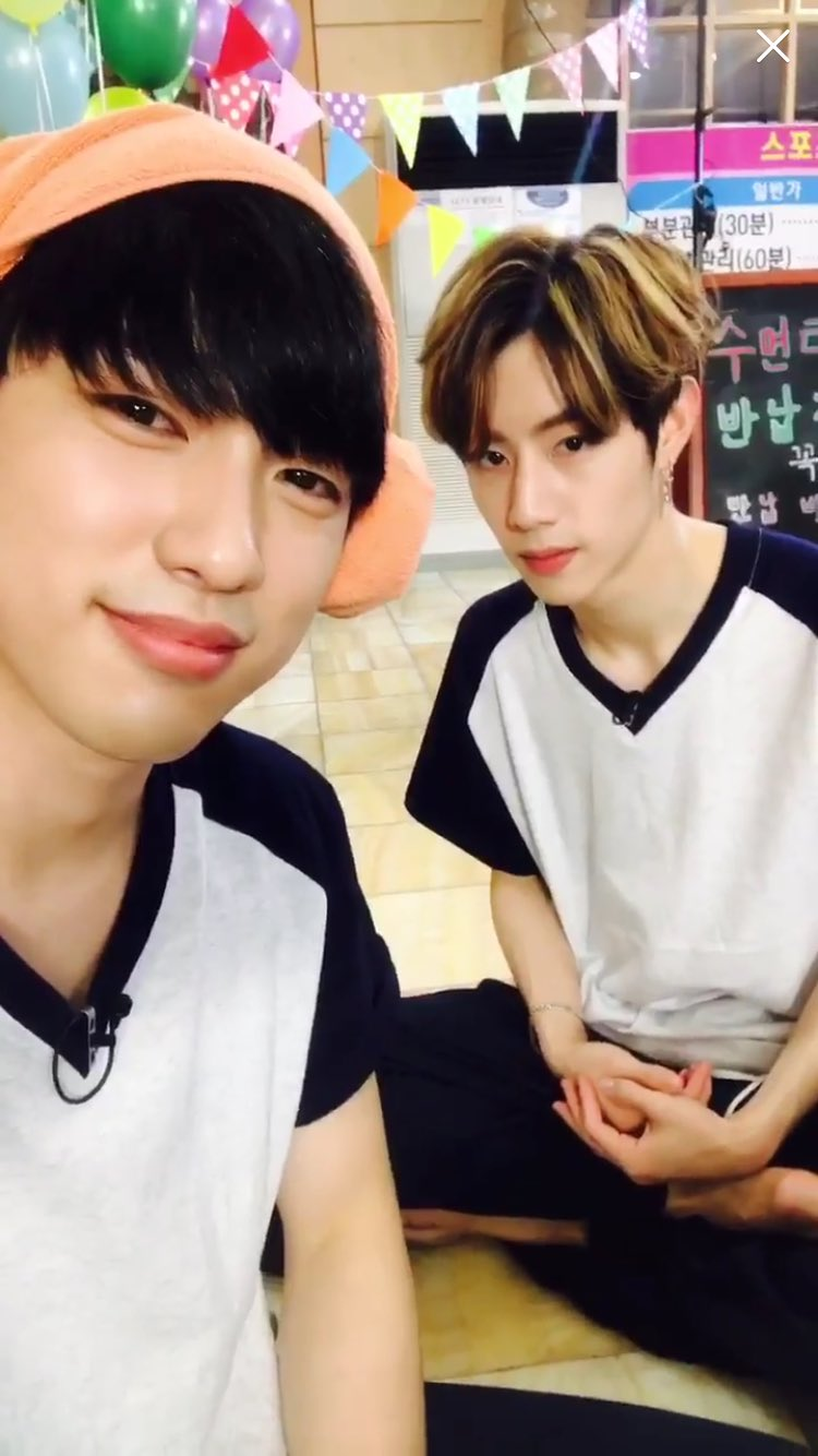 170608 GOT7 Eating Show  #2017WithMarkJin #markjin #맠녕 #맠진 https://t.co/YY8Zk1Mmb4