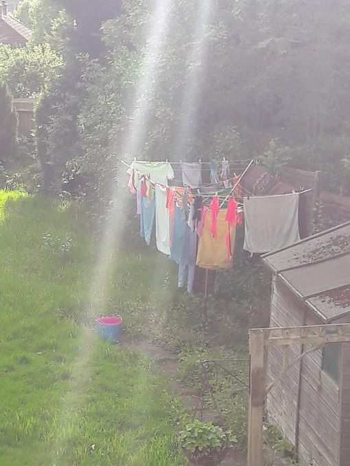 Wonder what the neighbours think of my bright assortment? https://t.co/wMgIXU70mi