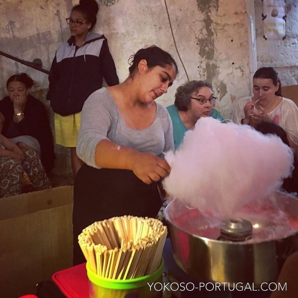 test ツイッターメディア - リスボン、イワシ祭りの綿あめ屋さん。 #リスボン #ポルトガル https://t.co/mR641rEtu1