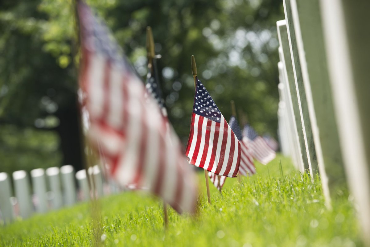 Today, we remember those who have given their life in service to this country. #MemorialDay